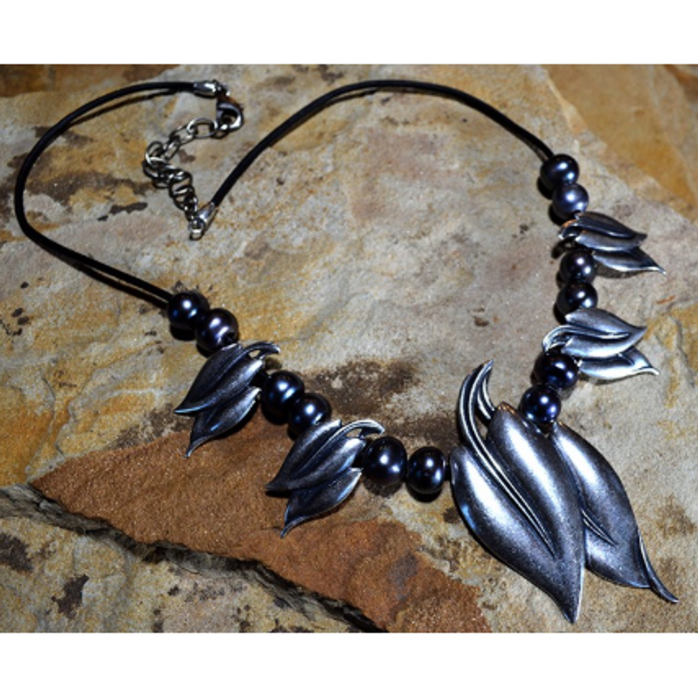 Antique Silver Brass Leaf Peacock Pearl Necklace | Elaine Coyne Jewelry | NAAS334-4N