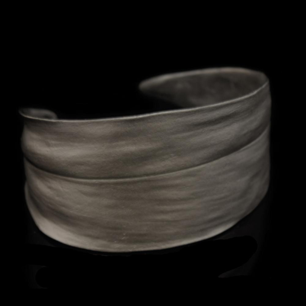 Cordyline Gunmetal Leaf Cuff Bracelet | Michael Michaud | SS7286BZGM