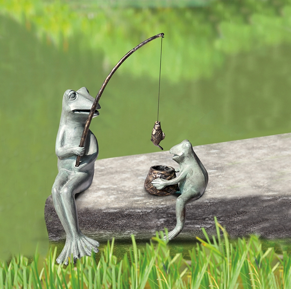 Frog Mama and Baby Fishing Garden Sculpture | SPI Home