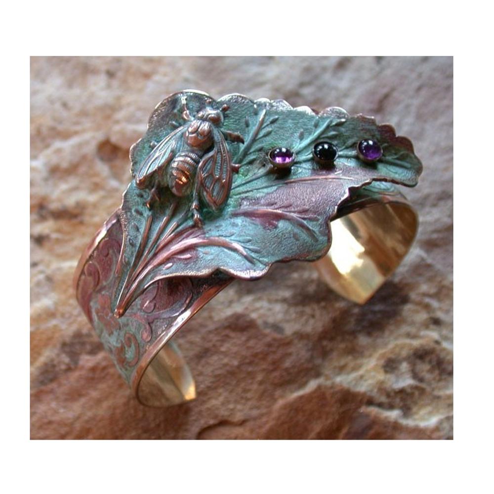 Bumblebee Amethyst Onyx Cuff Bracelet | Elaine Coyne Jewelry | ECGLP7473BC