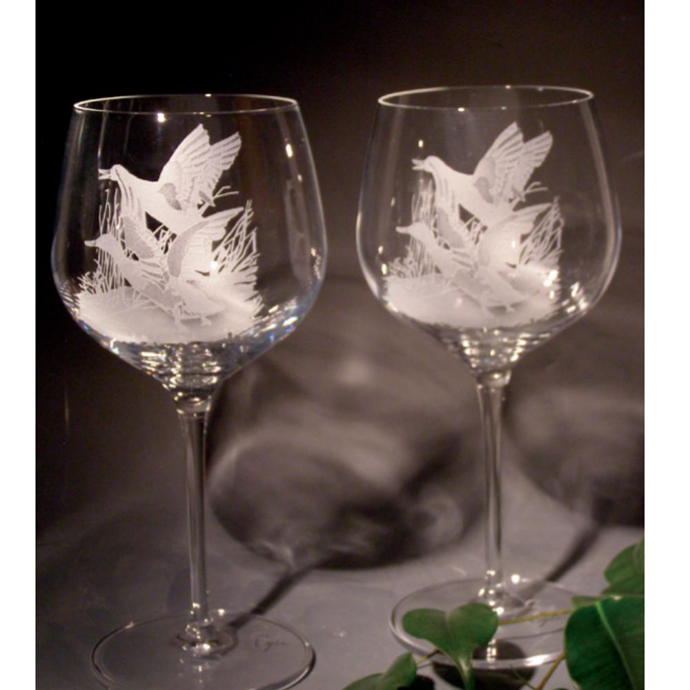 Mallard Scene Crystal 18 oz. Goblet Wine Glass Set of 2   Evergreen Crystal   ECNA-42613