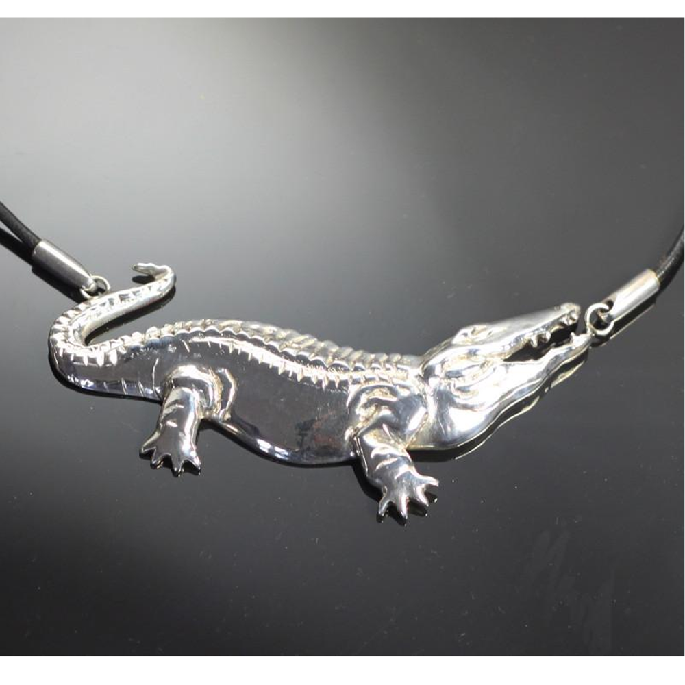Alligator Sterling Silver Pendant Necklace | Anisa Stewart Jewelry | ASJw1015