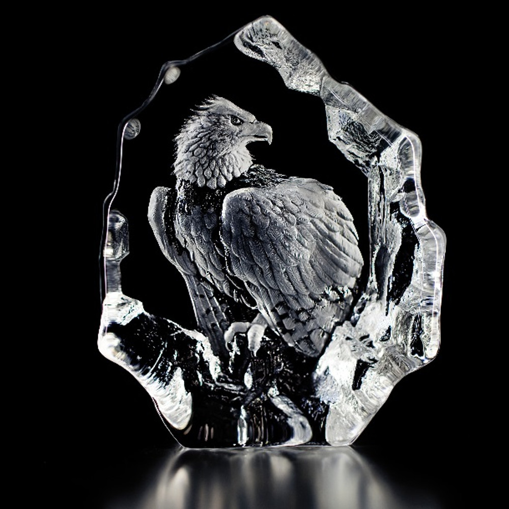Bald Eagle Perched Crystal Sculpture | 33574 | Mats Jonasson Maleras