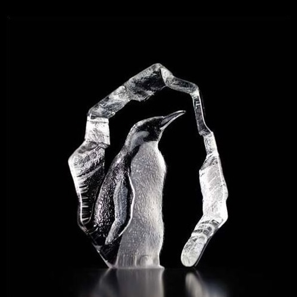 Penguin Crystal Art Glass Sculpture | 33845 | Mats Jonasson Maleras