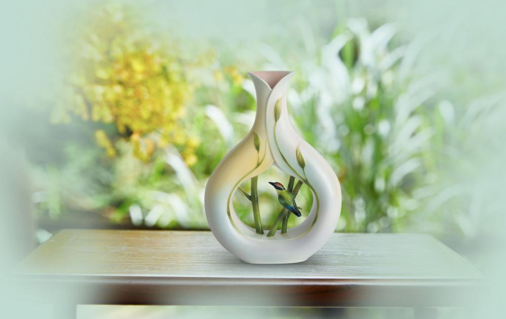 Bamboo Songbird Vase   fz00572   Franz Porcelain Collection