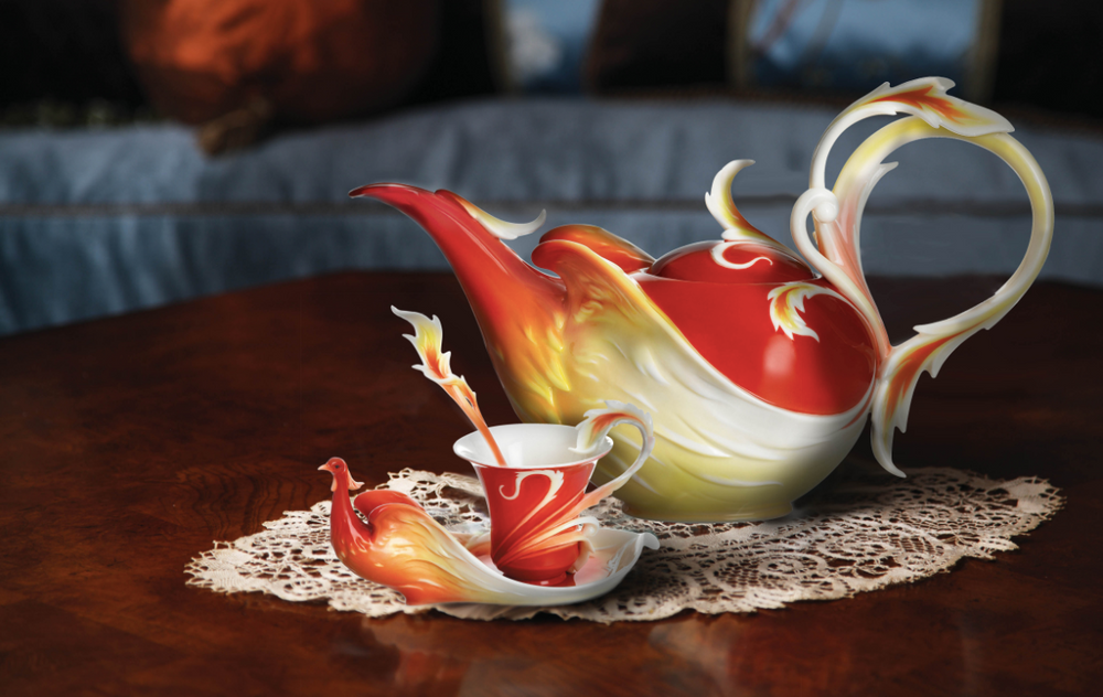 Phoenician Flight Teapot | FZ01760 | Franz Porcelain Collection