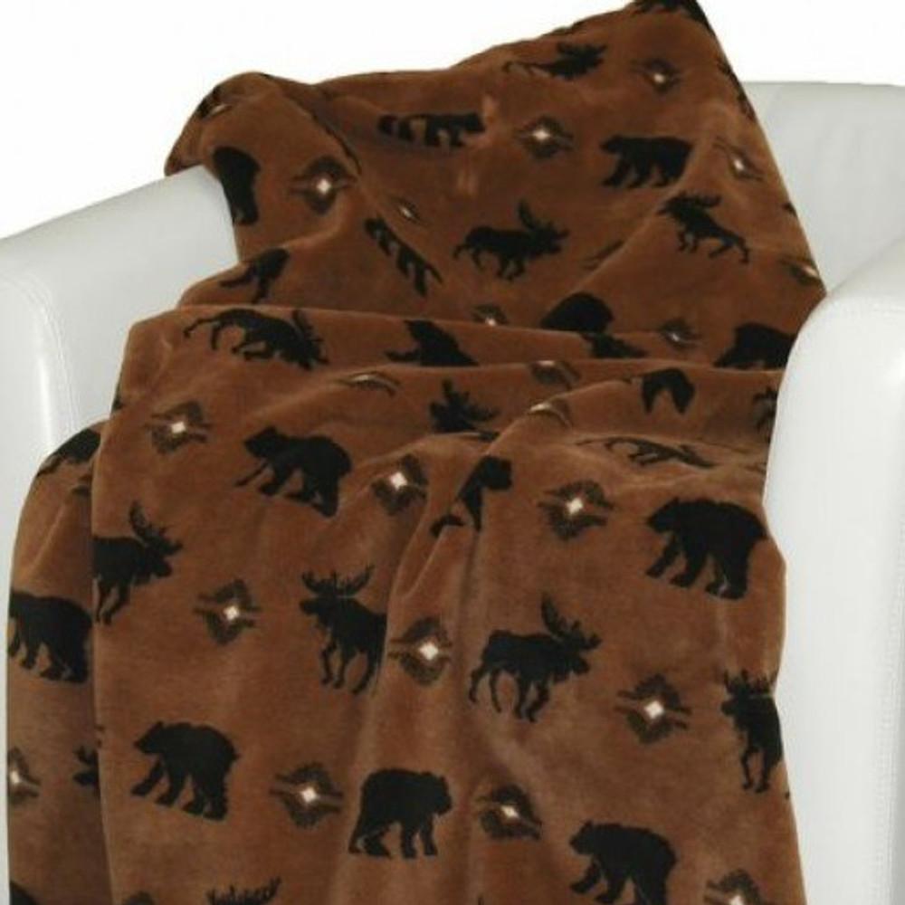 Bear Moose Wilderness Walk Throw Blanket   Denali   DHC16122872