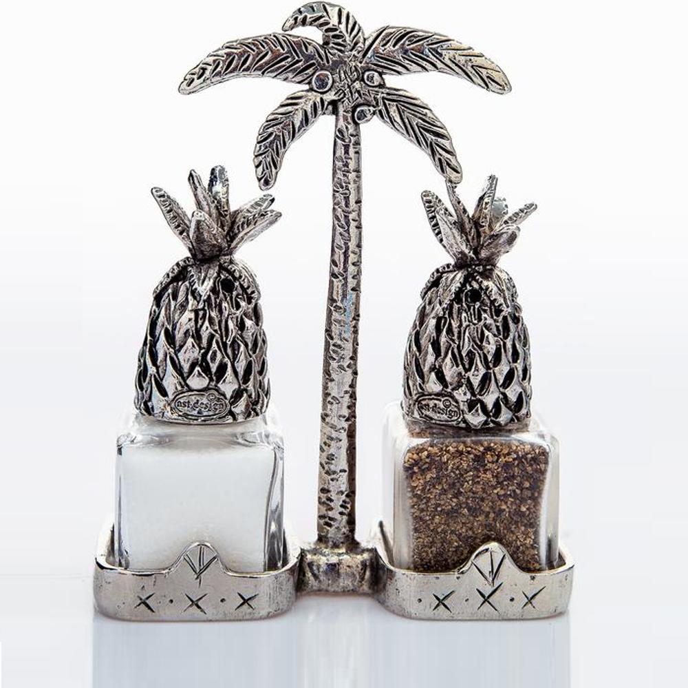 Pineapple Salt Pepper Shakers   Silvie Goldmark   SGM124