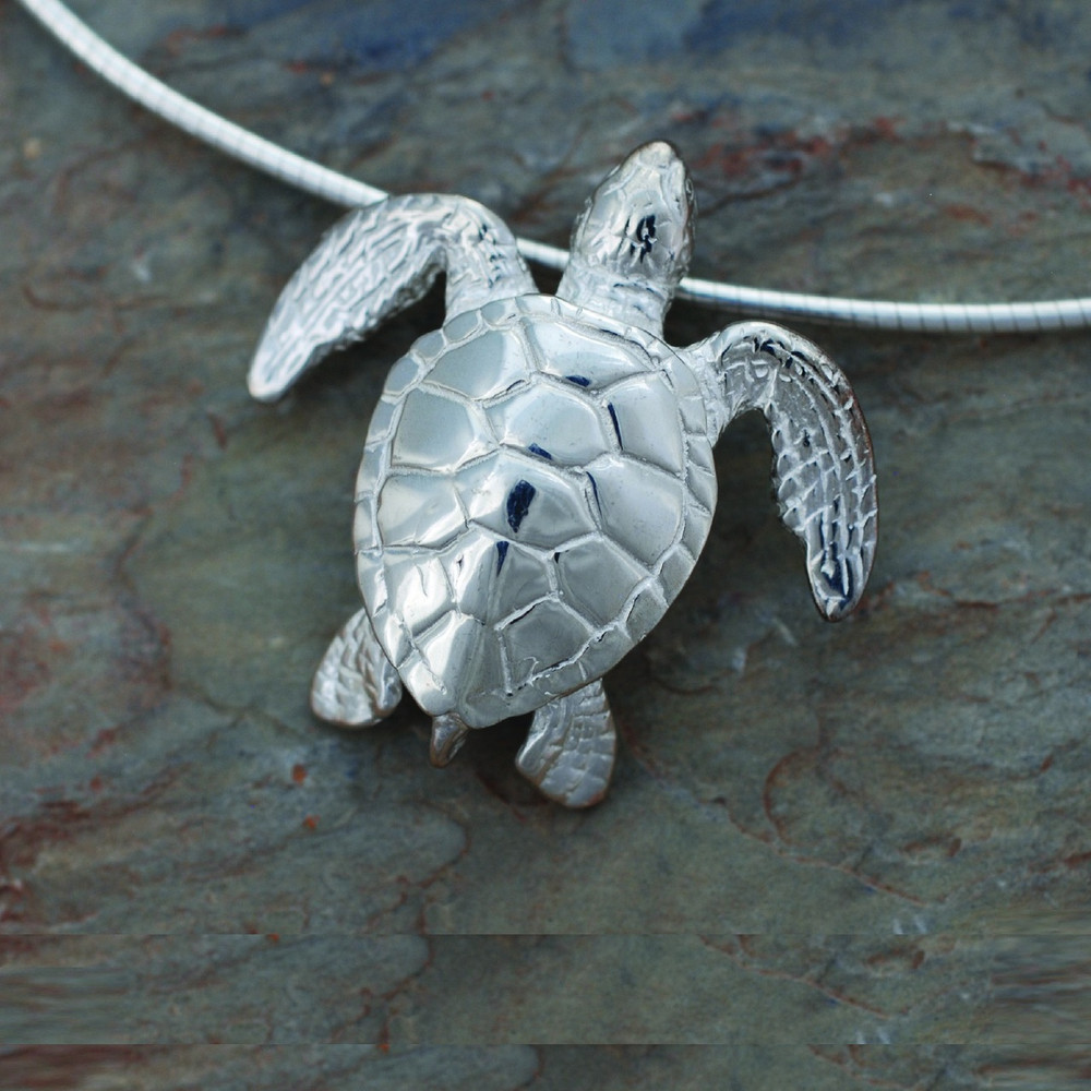 Green Sea Turtle Pendant Necklace | Big Blue Jewelry | Roland St. John | BC03-18