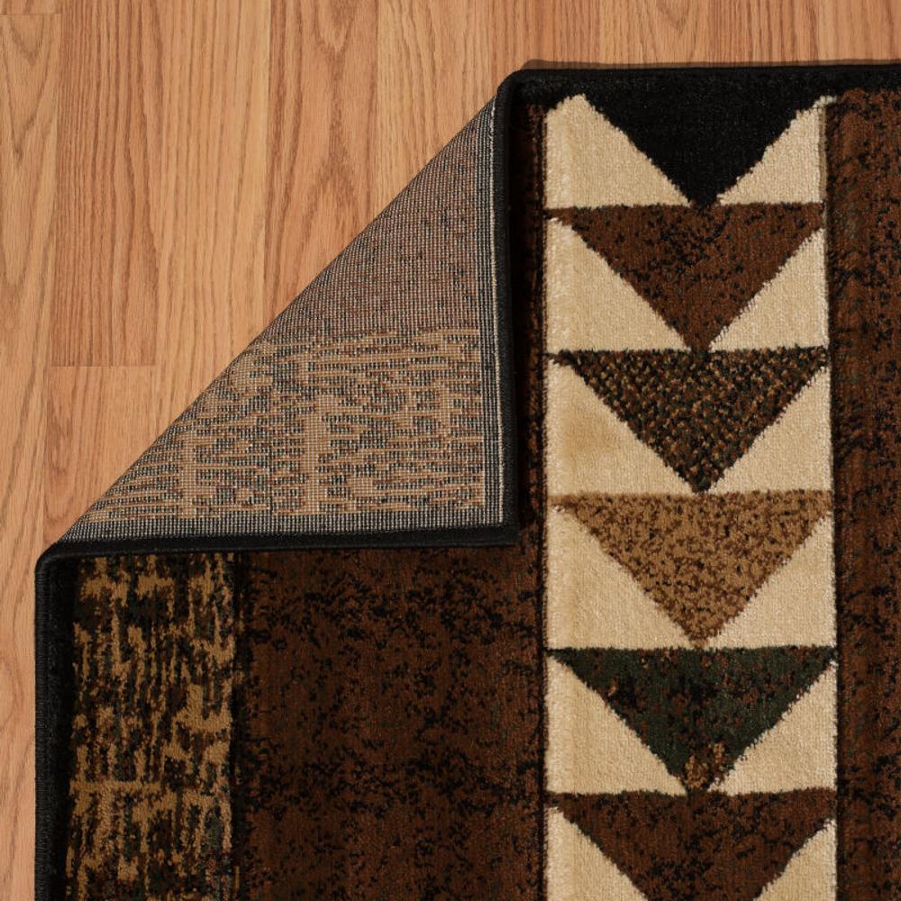 "Bear Area Rug ""Woodcut Bear"" | United Weavers | 516-29659"