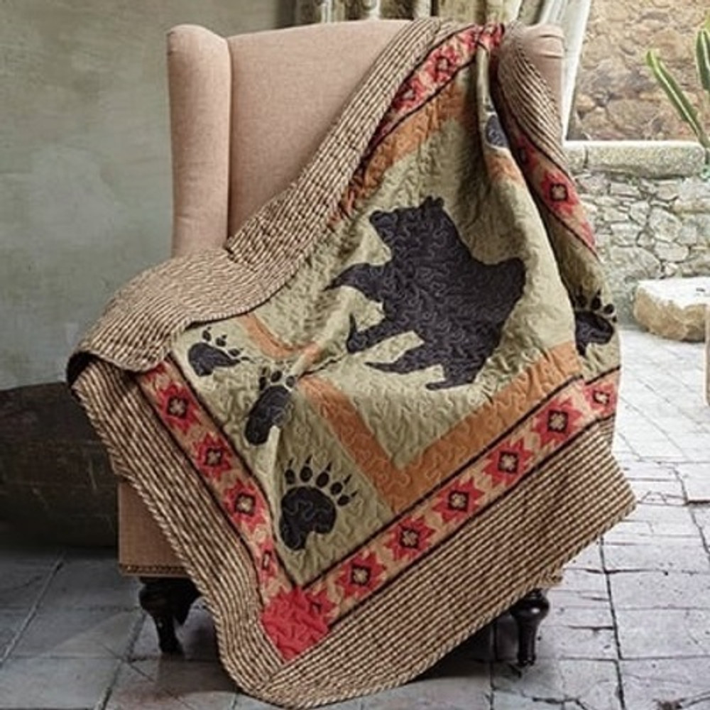 Bear and Paw Quilted Throw Blanket | DQT649