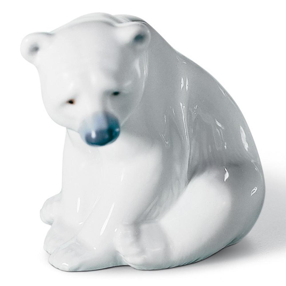 Seated Polar Bear Porcelain Figurine | Lladro | LLA01001209