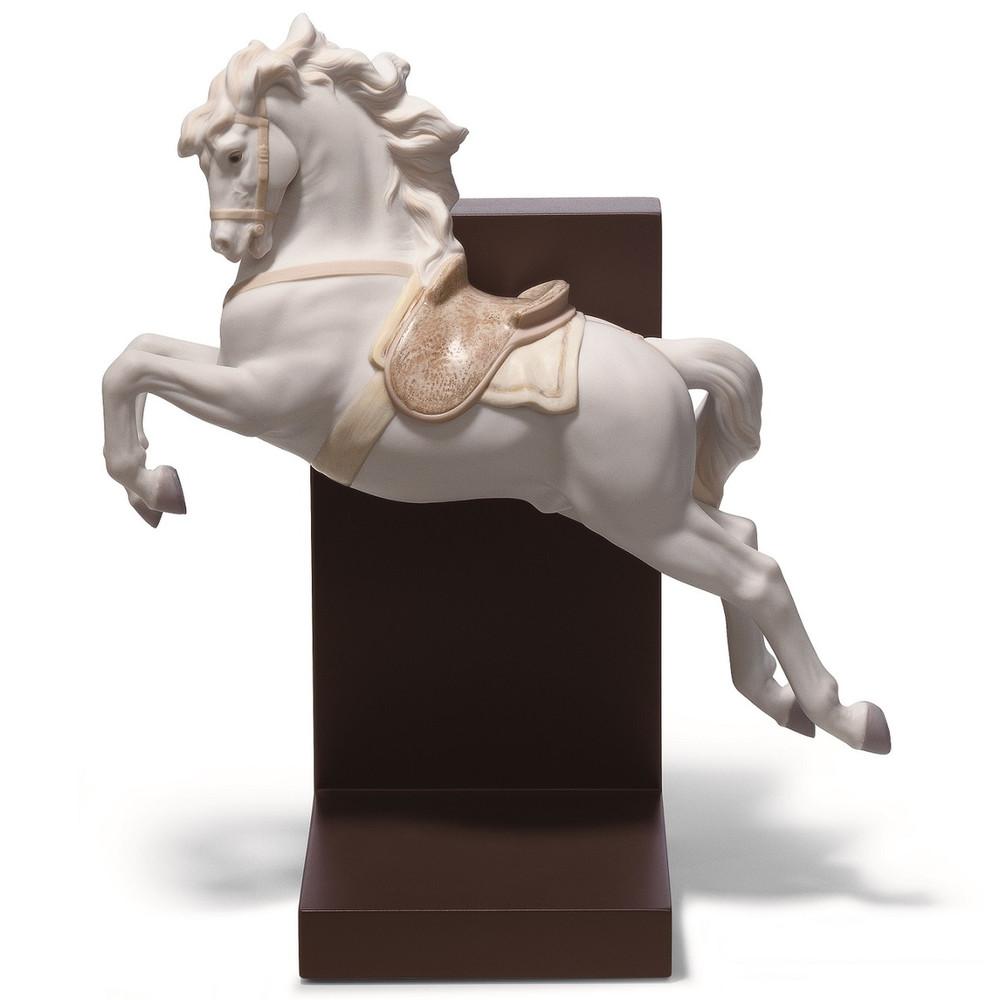 Horse On Pirouette Figurine   Lladro   LLA01018253