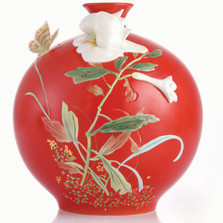 Lily Sculptured Porcelain Vase | CP00190 | Franz Collection