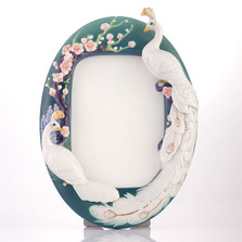 White Peacock Sculptured Porcelain Photo Frame | FZ03520 | Franz Collection