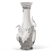 Herons Realm Porcelain Vase with Silver Lustre | Lladro | 01007053