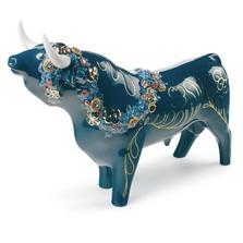 Flower Bedecked Porcelain Bull Figurine   Lladro   01007297