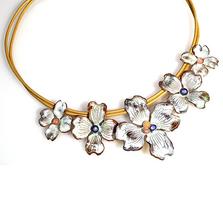 Dogwood Flower Graduated White Chocolate Pendant Necklace | Elaine Coyne Jewelry | NCW840N