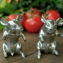 Pig Salt Pepper Shakers | Vagabond House | VHCR116P