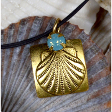 Scallop Shell Antique Gold Brass Necklace with Swarovski Crystal | Elaine Coyne Jewelry | ECGOCG26PDLE
