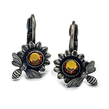 Sunflower and Bee Earrings   La Contessa Jewelry   LCER9012-XG