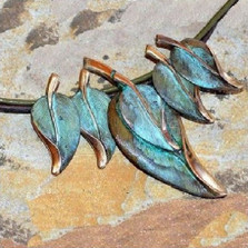 Leaves Necklace Graduated Solid Brass | Elaine Coyne Jewelry | ECGNAO236n