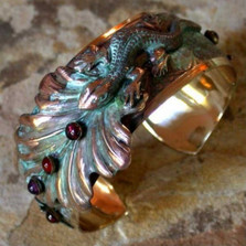 Lizard on Leaves Brass Cuff Bracelet | Elaine Coyne Jewelry | ECGNAP56BC