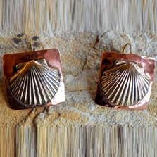 Scallop Shell Earrings Brass Oceania | Elaine Coyne Jewelry | ECGOCX48e