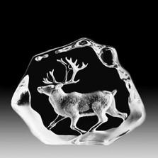 Reindeer Walking Crystal Sculpture | 33399 | Mats Jonasson Maleras