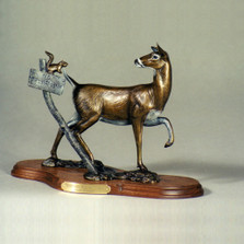 Whitetail Doe Bronze Sculpture | Scott Lennard | SLB06