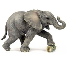 Elephant Baby Kicking Rock Sculpture | Unicorn Studios | USIWU75552AA