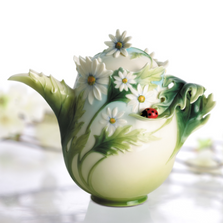 Ladybug Teapot | fz00300 | Franz Porcelain Collection