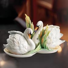 Southern Splendor Swan Salt Pepper Shakers   fz01553   Franz Porcelain