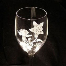 Columbine Flower Crystal 13 oz Wine Glass Set of 2 | Evergreen Crystal | ECI116columbine