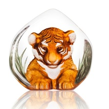 Tiger Cub Painted Crystal Sculpture | 34174 | Mats Jonasson Maleras