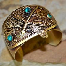 Dragonfly Brass Victorian Cuff Bracelet | Elaine Coyne Jewelry | NAB750cf