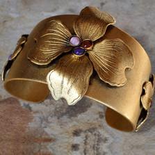 Dogwood Flower Cuff Bracelet | Elaine Coyne Jewelry | NSG840CF
