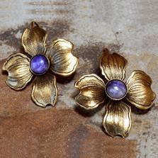 Dogwood Flower Post Earrings | Elaine Coyne Jewelry | NSG8406E