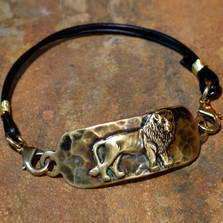 Lion Antiqued Brass Rockband Bracelet | Elaine Coyne Jewelry | LDAB508RB-1