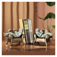 Frogs Reading on Sofa Bookends | 33537 | SPI Home