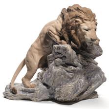 Lion Pouncing Porcelain Figurine | Lladro | LLA01008656