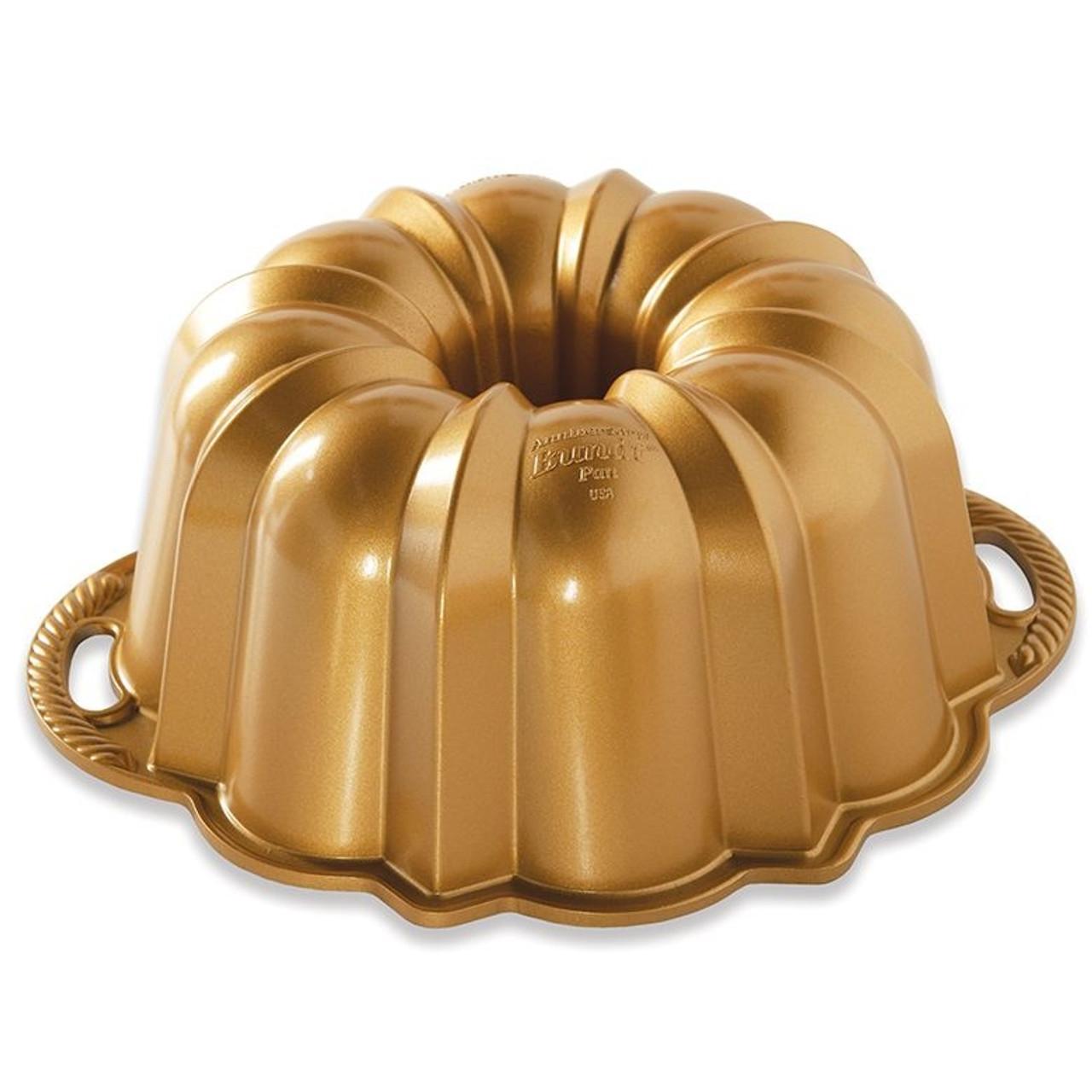 Nordic Ware Anniversary Bundt Baking Pan 10//15 cup