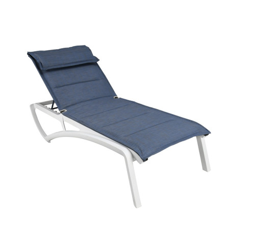 Grosfillex - Sunset Comfort Madras Blue/ Glacier White Outdoor Stackable Chaise Lounge