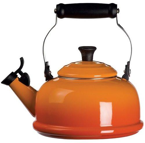 Le Creuset - 1.7 L (1.8 QT) Flame Classic Whistling Kettle