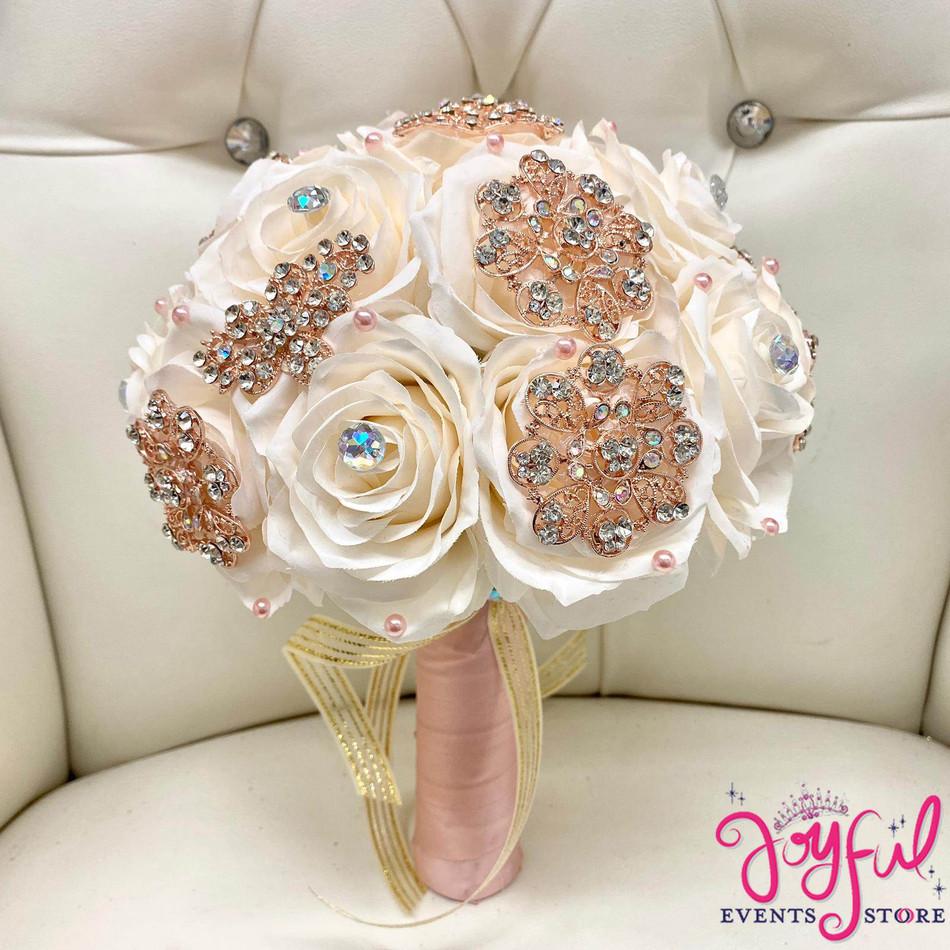 Ivory Flower Bouquet #RAC104