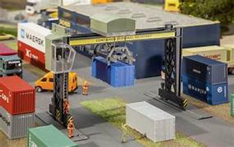 FALLER 131306 Container bridge crane (HO)