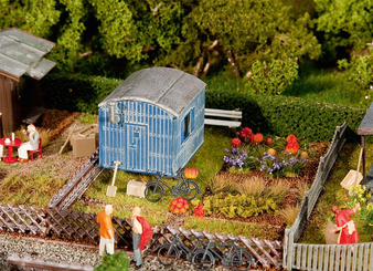 FALLER 180490 Allotments with contractor's trailer (HO)