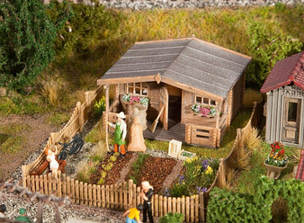 FALLER 180493 Allotments with large garden house (HO)