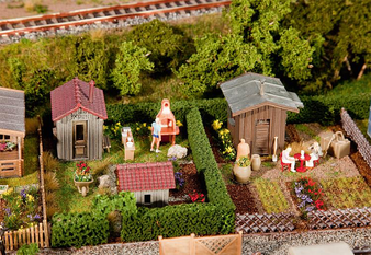 FALLER 180494 2 Allotments with sheds (HO)