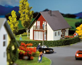 FALLER 130318 Detached house, wine-red (HO)